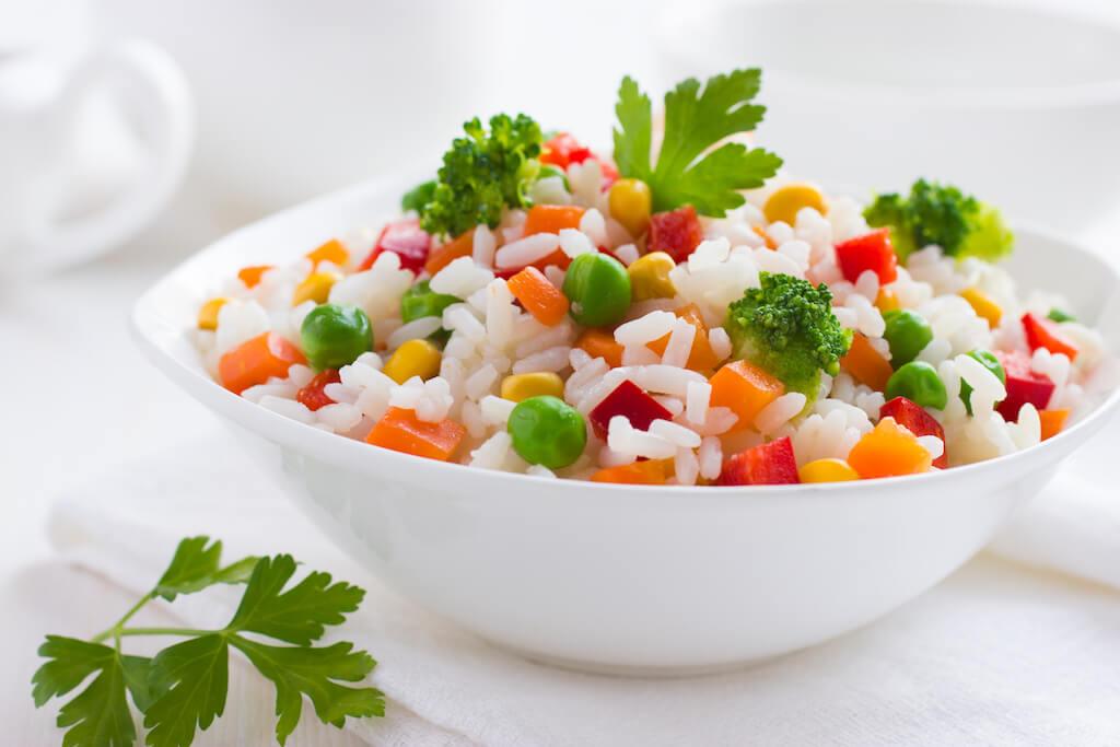 Cesnaková ryža so zeleninou
